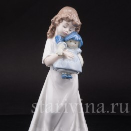 Фигурка из фарфора Девочка с куклой, NAO, Испания, 1989 год.